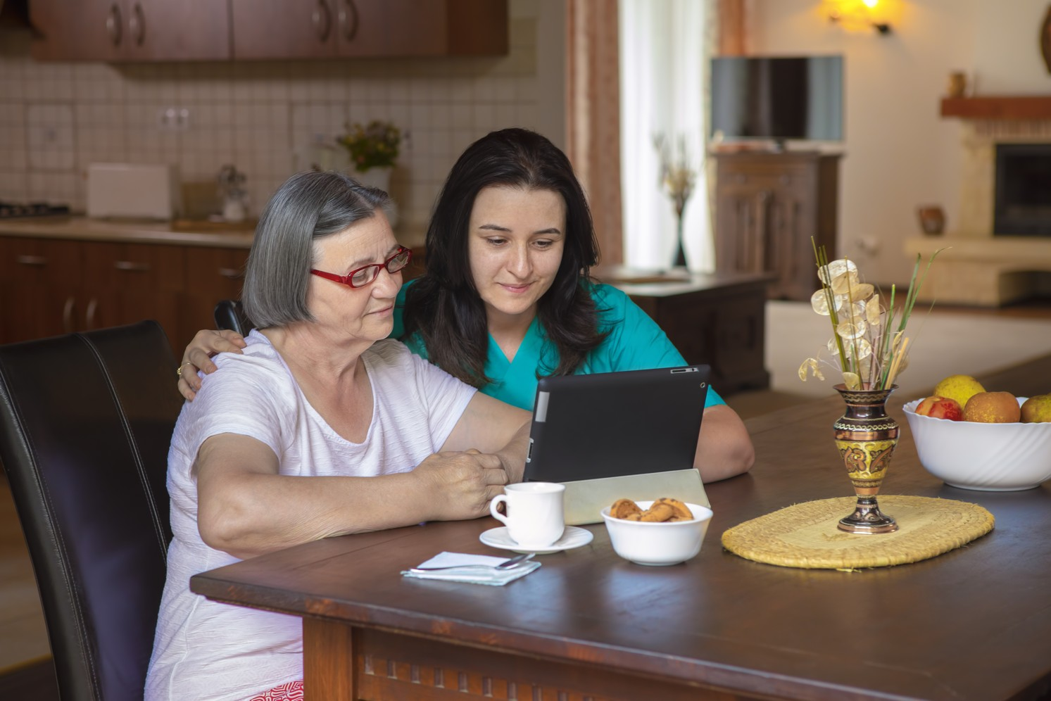 Assisting elderly with computer